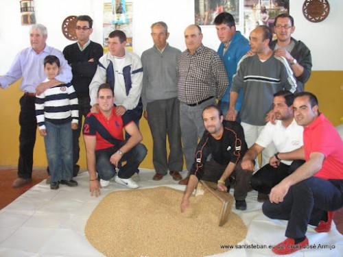 Preparando el Trigo en la Mayordomía 2012